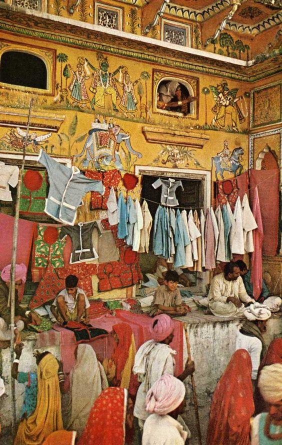 Street textile bazaar - Rajasthan - india