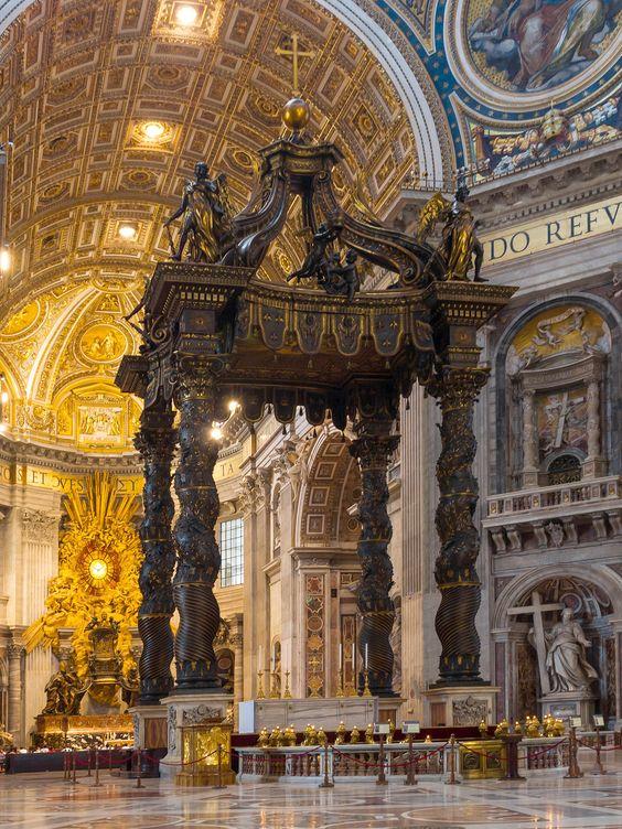 Altar mayor de San Pedro de Roma, en posición central y bajo el Baldaquino de Bernini