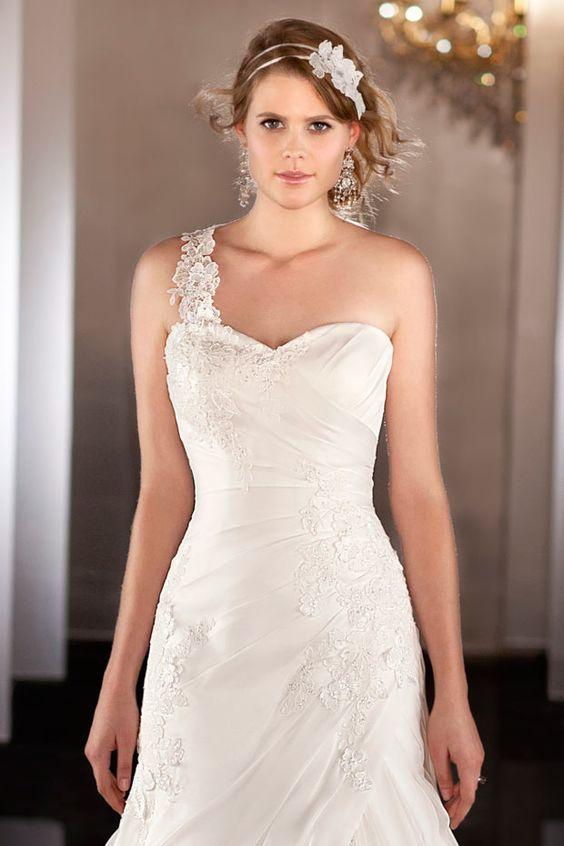 New Chic Chiffon Strapless  A Line Ruffles Beach Wedding Dress