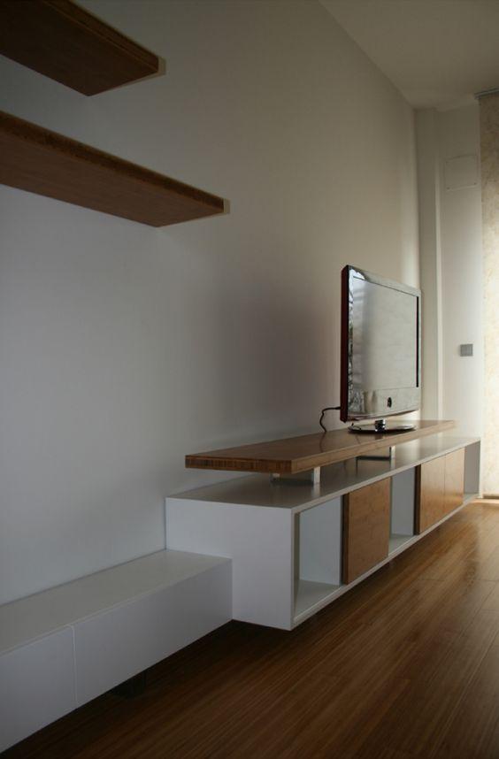 mueble de televisor en madera de bambú, HDF lacado blanco y acero