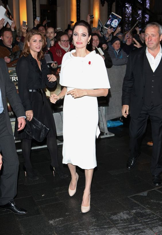 Pin for Later: Angelina scheint Brad Pitt so gar nicht zu vermissen