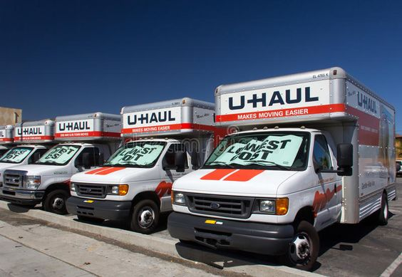 U Haul Trucks Lined In A Row Pasadena Ca Usa August 16 2014 U Haul Trucks Ad Usa Ca August Pasade U Haul Truck Uhaul Truck Moving Truck Rental