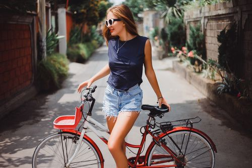 Top 10 Best Cycling Sunglasses for Women Bikers http://bestbikesforwomen.com/best-cycling-sunglasses-women-bikers/