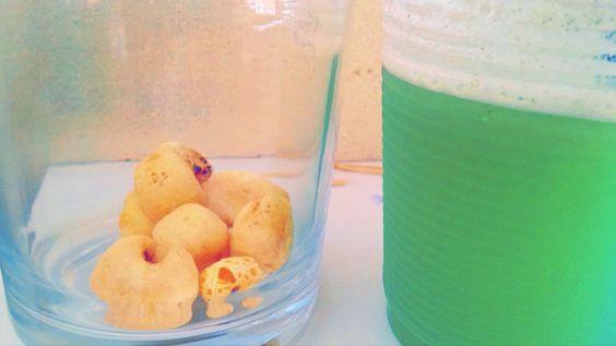 Suco verde e pipoca <3