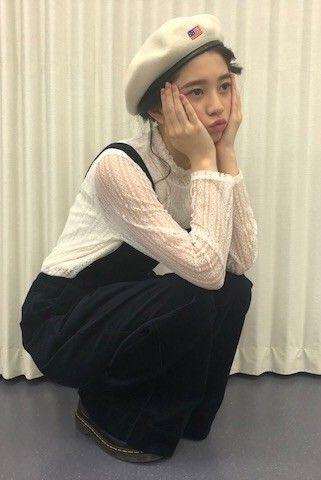 ベレー帽をかぶる桜田ひより