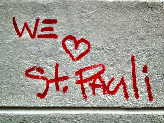 """Die Einwohner von St.Pauli lieben ihren Kiez >> Download """"WE LOVE ST. PAULI""""-Wallpaper: (3264 × 2448) via @stpauli"""