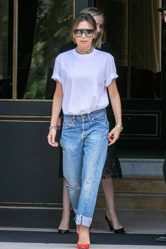 The Best Victoria Beckham White T-Shirt Outfits | Who What Wear