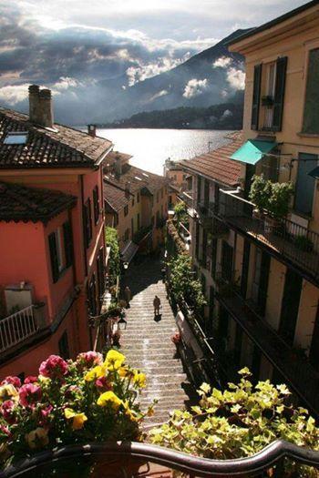 Let's take a walk in Bellagio, Lake Como, Italy...