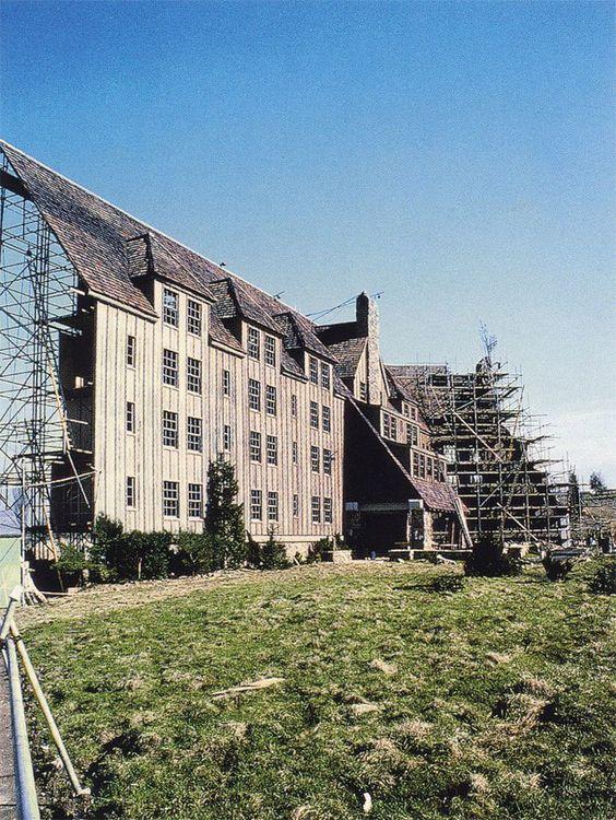 The Shining - Detrás de cámara - Fachada de hotel
