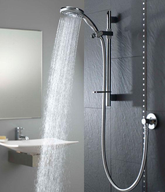 Duschen am Morgen hilft uns schneller wach zu werden! Und was macht Sie munter?  http://www.schiefer-deutschland.com/schiefer-wandfliesen-geschmackvolle-schiefer-wandfliesen