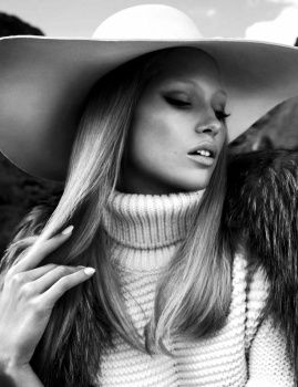 Numéro August 2014   L'AVENTURIÈRE Photographer: Txema Yeste Stylist: Belén Casadevall Hair: Jordi Fontanals Make-up: Victor Alvarez Model: Hana Jirickova             Numéro 08/2014 Digital Edition