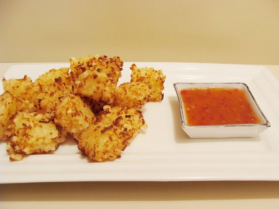 TRIVIAL (OU NEM TANTO): Bolinho de Tapioca e queijo coalho.