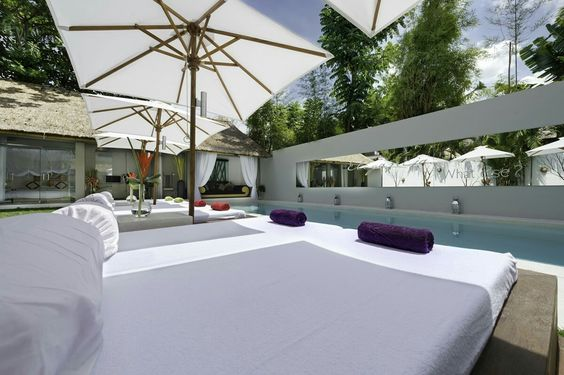 BALI'S CONTEMPORARY, extra luxe holiday villa in Bali - Indonesia