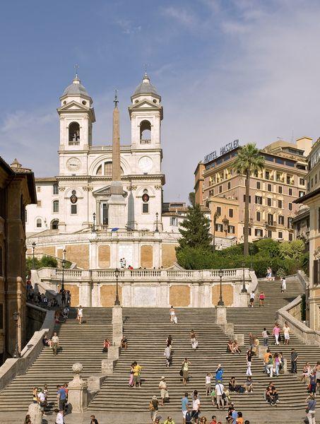 Die wunderbare Spanische Treppe in Rom http://www.lastminute.de/reisen/5002-36897-hotel-hassler-villa-medici-rom/