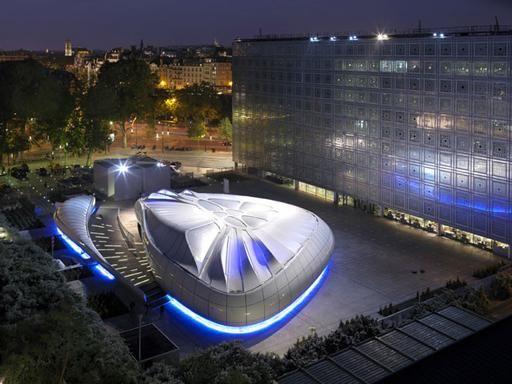 Roca London Gallery, la fluidez del agua dentro de la arquitectura