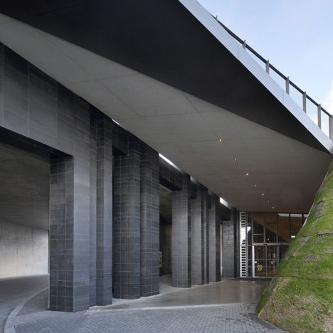 Giant's Causeway Visitors' Centre by Heneghan Peng Architects