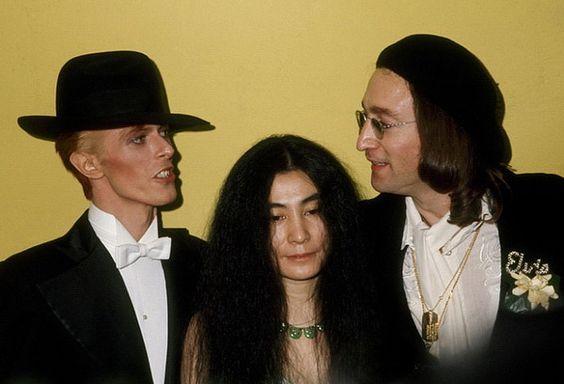 David Bowie, Yoko Ono et John Lennon - 1975                                                                                                                                                      Plus