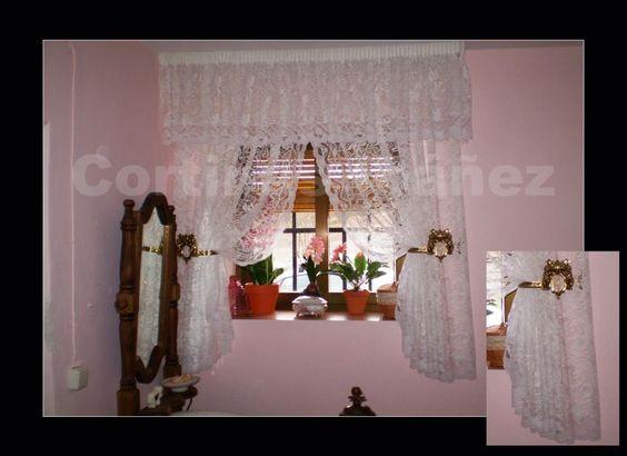 Instalación en casa de campo rustica; Cortinas Encaje de Seda, realizadas en estilo antiguo y alzapaños-abrazadera de latón.