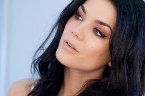 Maquiagem pra inspirar: Linda Hallberg - Só Para Meninas