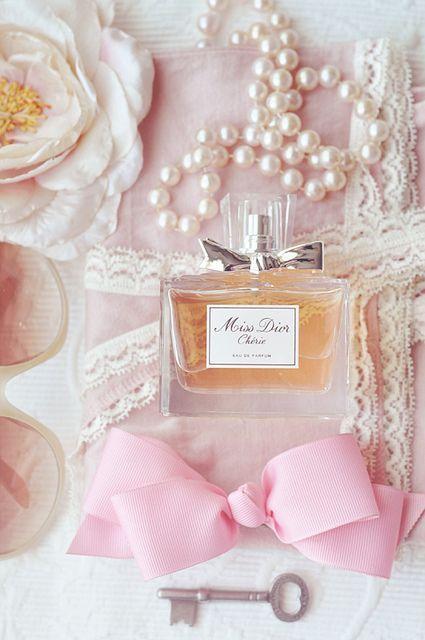 Imagen de perfume, pink, and dior