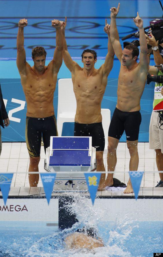 US men win 4x100 relay