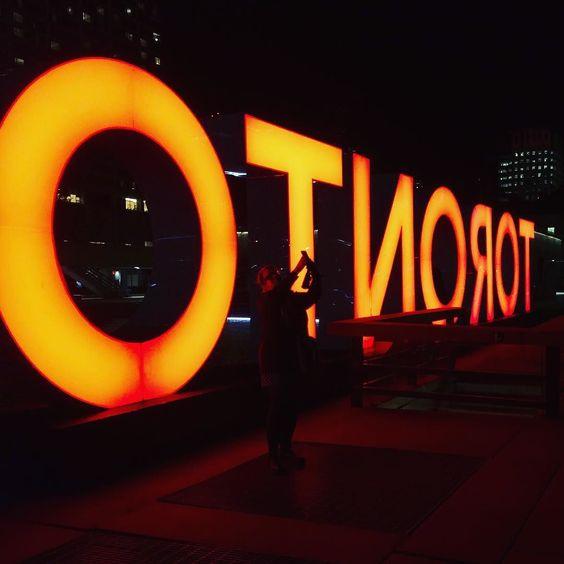 Kelly gets behind Toronto. @kellyoyo