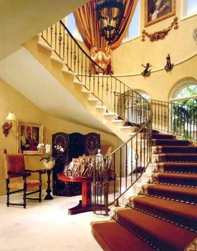 Interiores de casas de lujo en miami for Escaleras de casas de lujo