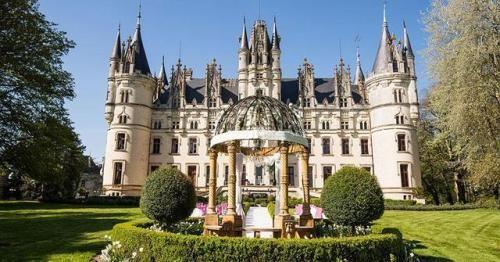 Man S Impact On The Environment Chateau De Challain La Potherie Challain La Potherie Cande Maine Et Loire France Mansion Tour Mega Mansions Mansions
