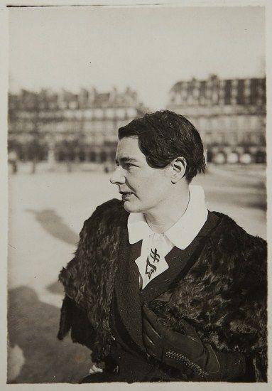 Marguerite Yourcenar, 1930: