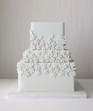 Love simple wedding cakes.