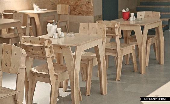 Cafe_Artek_Dopludo_Collective_Konstantin_Grcic_afflante_L'obiettivo degli interni è stato quello di creare uno spazio polifunzionale, un caffè per i giovani, gli studenti. Cafe Artek, dispone di spazi per mostre temporanee, sala per giochi da tavolo e il cinema, così come il luogo per il tennis tavolo.