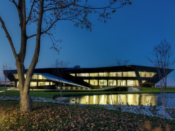 Vidre Negre Office Building / Damilanostudio Architects