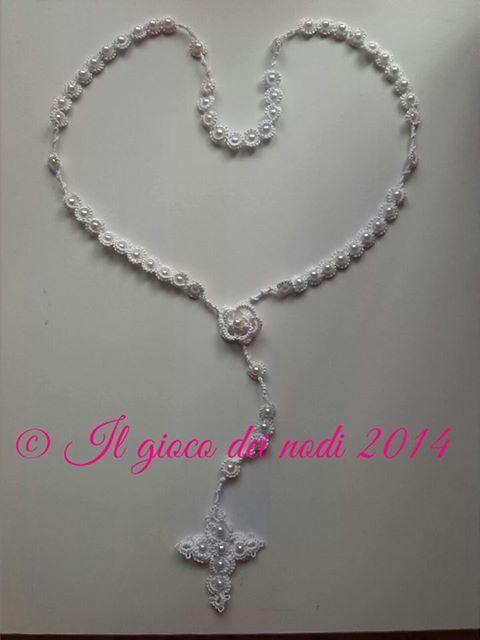 rosario realizzato con la tecnica chiacchierino ad ago