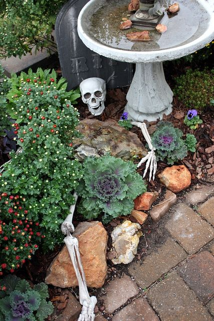 Such a great idea to entertain the little trick or treaters!