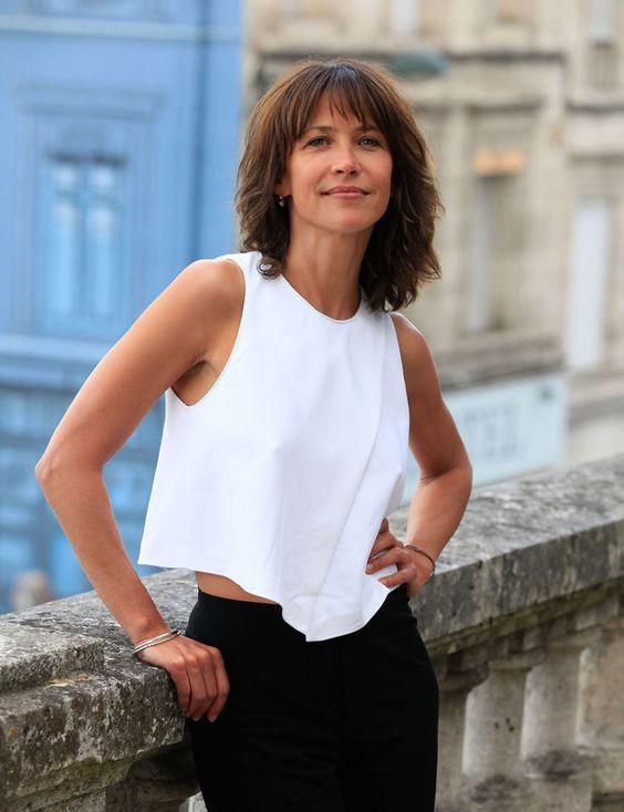 Le carré sauvage de Sophie Marceau La nouvelle coupe de lactrice préférée des Français