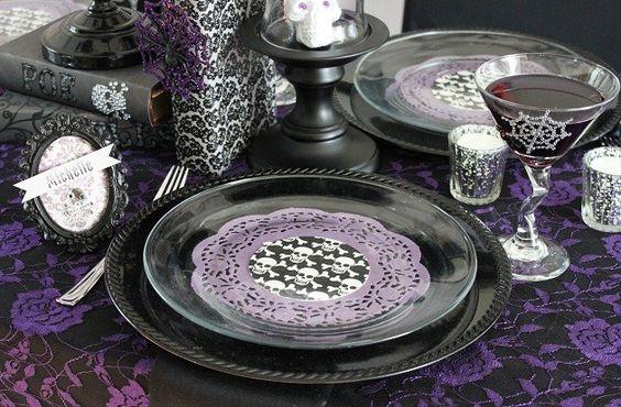 gothic glam: Wedding Idea, Halloween Theme, Decor Ideas, Party Place, Place Setting, Gothic Wedding, Table Setting, Party Table, Halloween Decorating Ideas