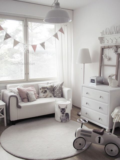 Simple nursery decor. Love the bunting over the window! GreyWhiteHeart: lastenhuone: