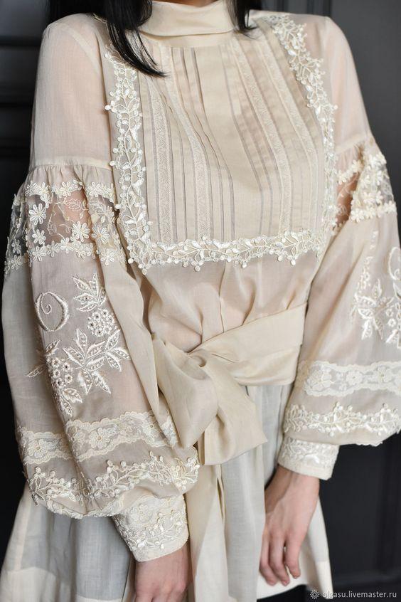 Лёгкая блузка с вышивкой