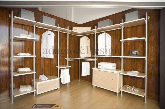 Vestidor sin forrar panelado de paredes melamina color haya y melamina blanca barras y - Panelado de paredes ...