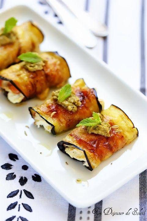 Roulés d'aubergine à la ricotta, jambon et olives