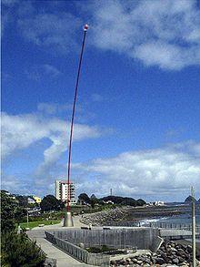 """Len Lye (5 July 1901-1980) – """"Wind Wand"""" in New Plymouth, Neuseeland, Wikipedia"""