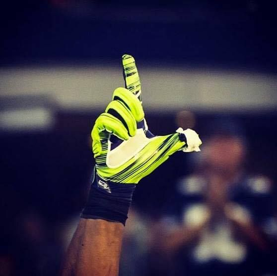 NFL Jerseys - Throw up the L for Ricardo Lockette. Prayers are with you bro ...