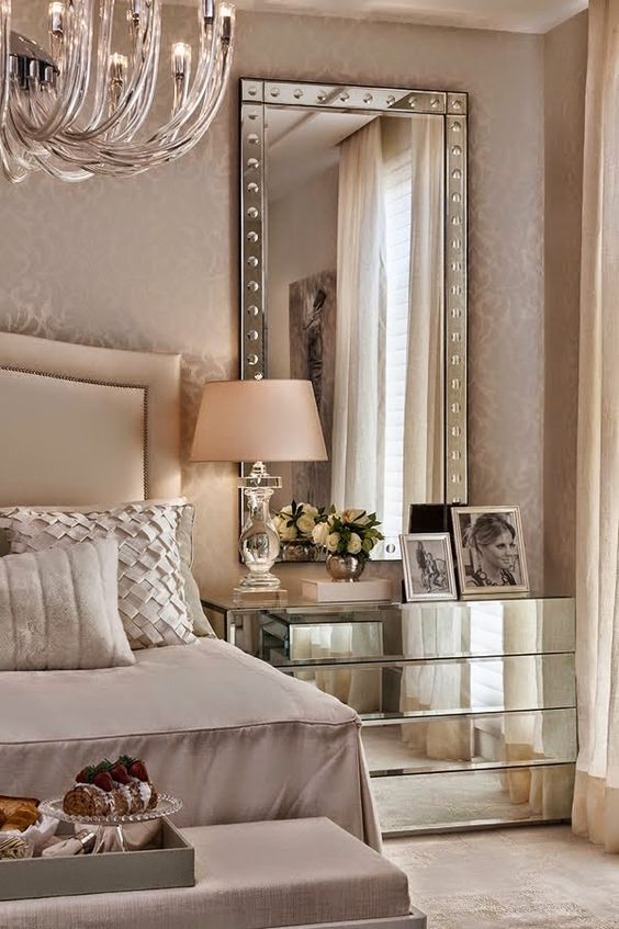 mobili rio espelhado chique and espelho alto on pinterest. Black Bedroom Furniture Sets. Home Design Ideas