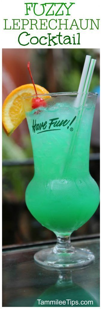 Fuzzy Leprechaun Green Cocktail Recipe perfect for St Patricks Day! Throw a killer st pattys day party with this delicious cocktail recipe!