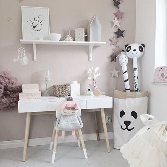 Picture by: @mykindoflike ◻️◽️▫️✨▫️◽️◻️ ••••••••••••••••••••••••••••••••••••••• Follow @baby_and_kidsroom_inspo for more ••••••••••••••••••••••••••••••••••••••• #detaljer #kidsroom #kidsdesign #decor #inredning #inredningsdetaljer #interiores #baby #decora #decoracion #inspiration #interior #interiör #interiordesign #interiordecor #kidslookbook #lovely #babyroom #cozy #babyfashion #barnrum: