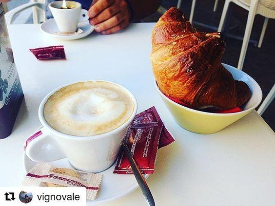 Grazie @vignovale ❤️ Chi non vorrebbe iniziare una bella giornata così? ☕️☕️☕️ #Giovannaccicaffè  #coffeeroaster #torrefazione #coffee #cafe #andora #cafelife #caffeine #piattitipiciregionali #drink #coffeeaddict #albenga #coffeelover #caffè #coffiecup #coffeelove #coffeemug #coffeelife #milano #torino #cuneo #finaleligure #pietraligure #loano #sanremo #alassio #munich