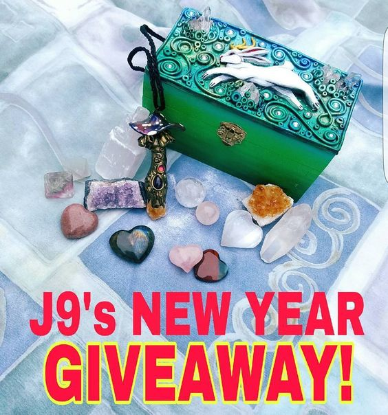 @j9illustration for this #j9giveaway I would like to have each of these items not only because there are products from your personal world but there are also such beauties I could adorn with my wrapping skills that I can't help but desire to dress!!!!