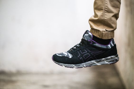 asics tiger black gold shaw runner