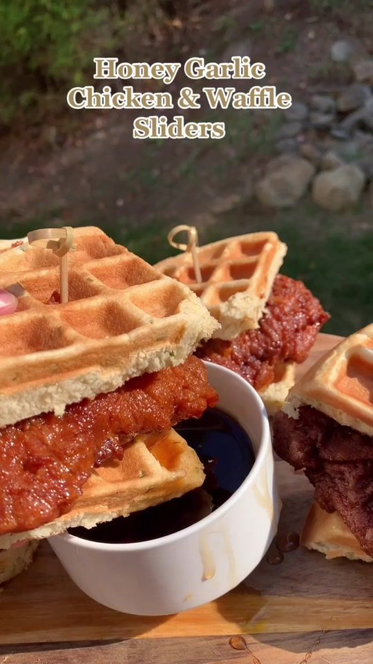 Mariam Mxriyum Tiktok Watch Mariam S Newest Tiktok Videos Chicken And Waffles Food Waffle Sliders