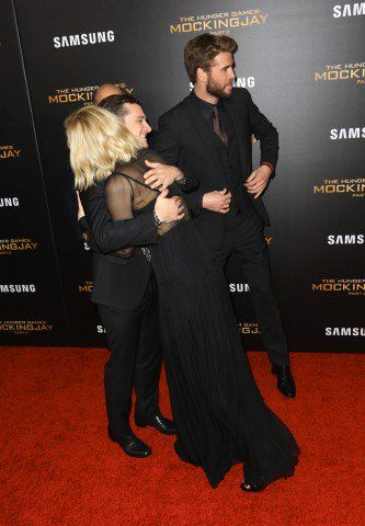 Jennifer Lawrence And Josh Hutcherson Hugging